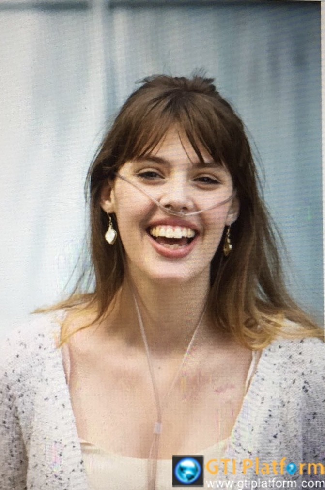 Claire Wineland die a week after undergoing surgery lung transplant. She is 21 years old... Born with cystic fibrosis.Wineland is a YouTube star, she had over 250,000 followers on YouTube and close to 100,000 on Instagram.She is smart, intelligence and work so hard! My heart goes to her family and friends. May her soul rest in peace!