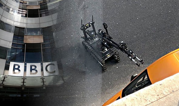 Bomb threat today at BBC Office in w1 London near broadcasting House around 3:15pm today! Some of BBC staffs reported hearing 3 loud Sound as an explosion. Metropolitan Police just reported two controlled explosion so far, a bomb robots is at work .